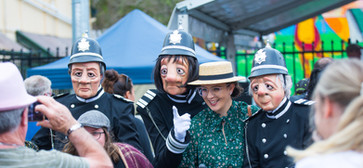 THE ENGLISH BOBBIES - THE MARY POPPINS FESIVAL