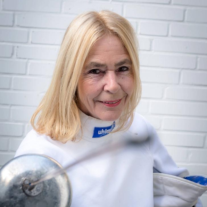 2008 suchte Lore Kereszti eine neue Freizeitbeschäftigung, Sie kam zum DFCD und landete beim Fechten. Heute ist Sie Rheinische Vize Landesmeisterin im Degen in ihre Altersklasse - FOTO: Andreas Endermann
