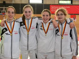 Mannschaftsgold für Fechterinnen - Johanna Feron mit Gold bei den A-Jgd Meisterschaften