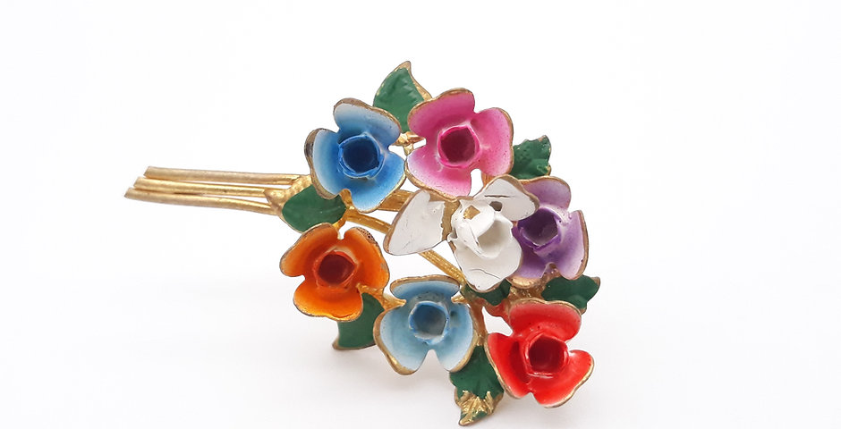 Vintage Floral Bouquet Pin