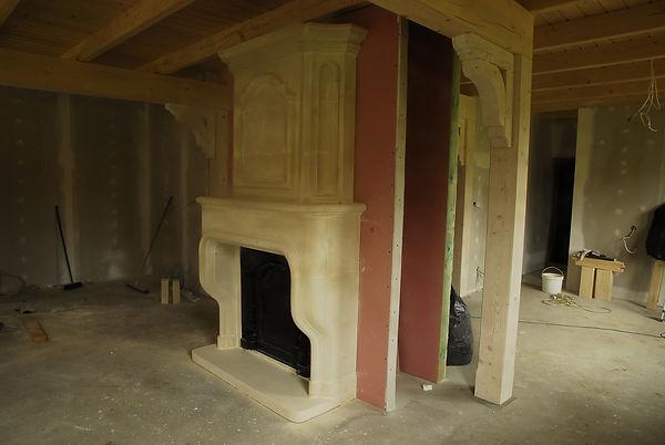 kominek w klasycznym stylu