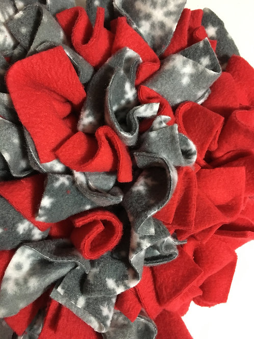 SNUFFLE MAT - SNOWFLAKE/RED STAR