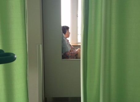 私を待つ母