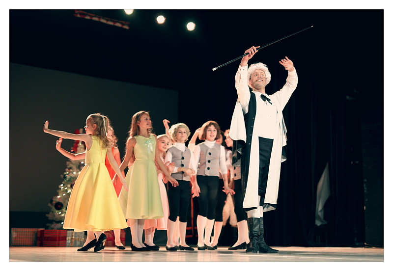 Dziadek_do_orzechów_Scena_Tańca_Szkoła_T