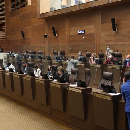 Diputados revierten eliminación automática de plazas en el sector público