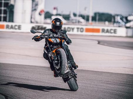 KTM Reveals 890 Duke For 2021