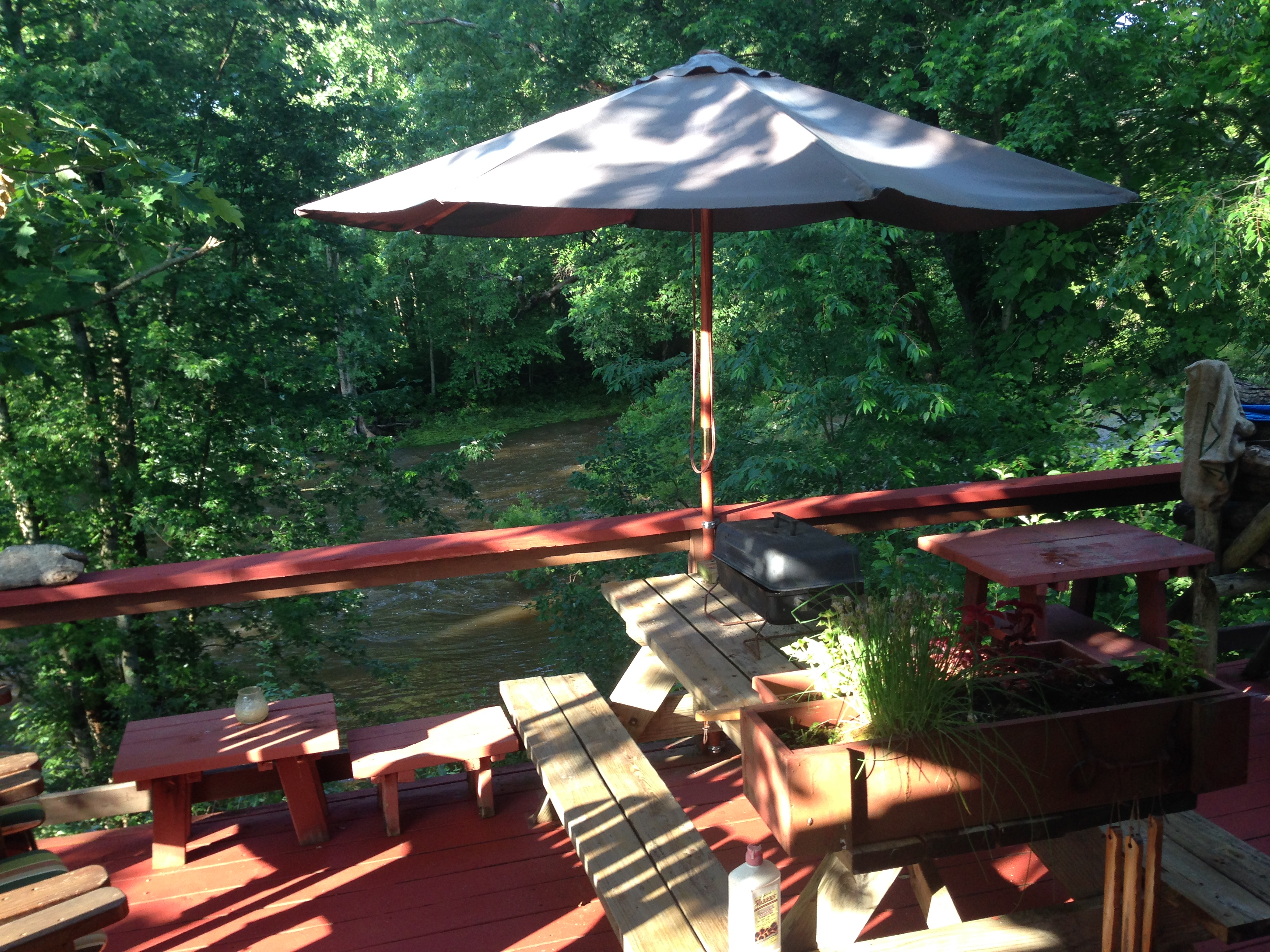 Deck over looking the Neshannock Cre