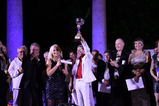 Il veneziano Stefano Ronchi vince la categoria cantautori senior.