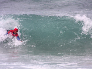 Vai começar o espectáculo de Bodysurf em Portugal