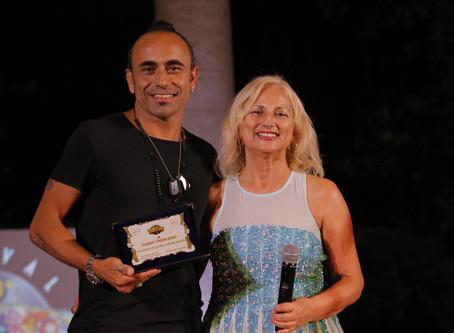 Fabio Perversi Leader dei Matia Bazar premiato al 22° Festival Voci d'Oro.