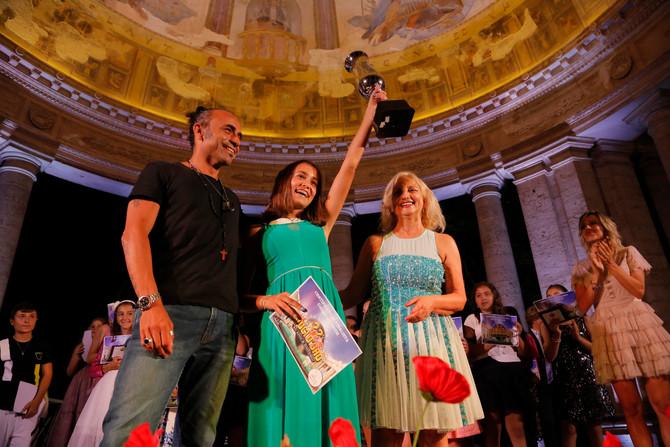 Giulia Batolla Vince la categoria Junior del 22° Festival Voci d'Oro 2019.