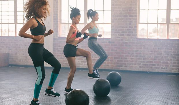 women-who-work-out-at-gym-1140x667.jpeg