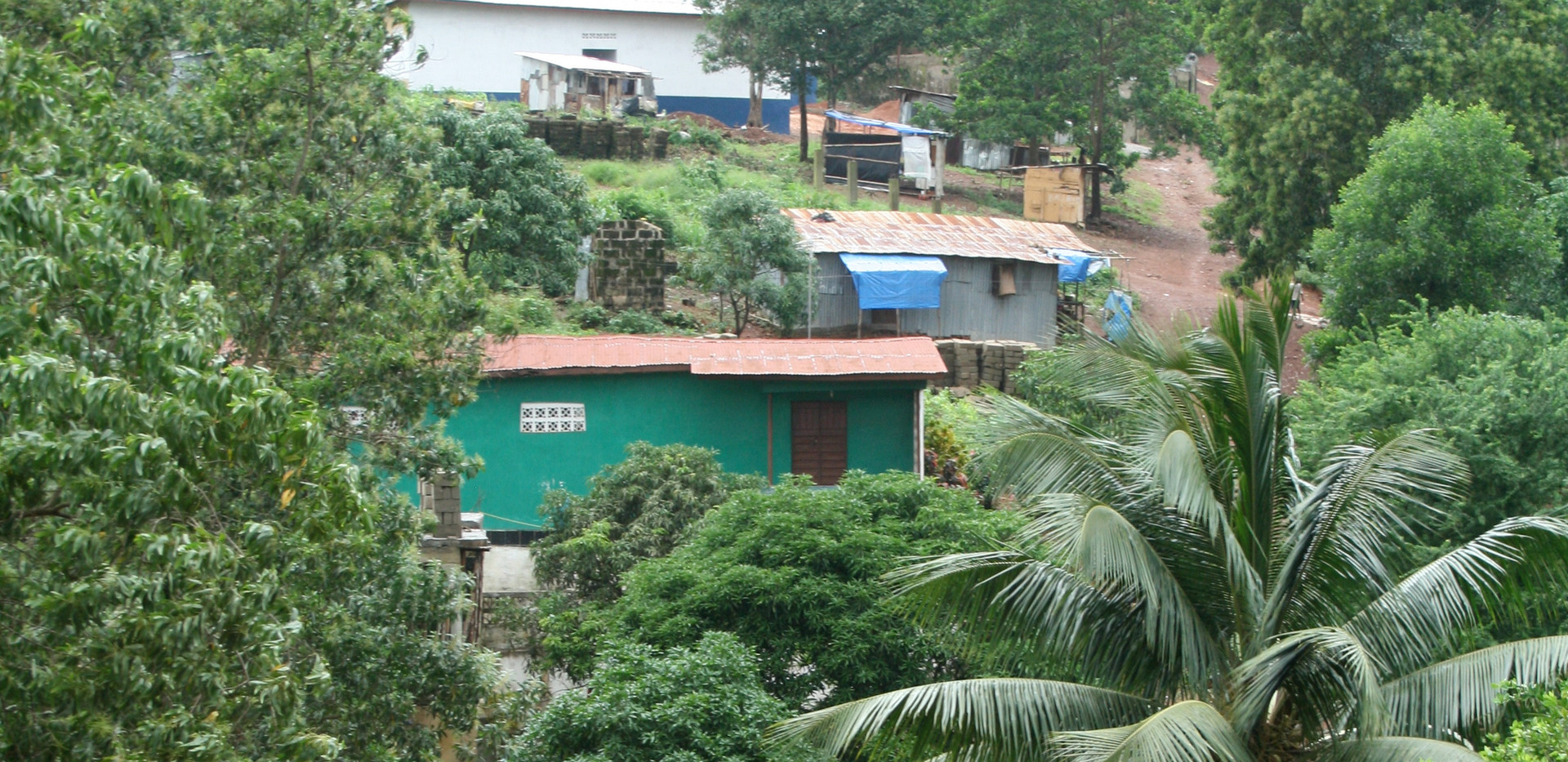 Kaningo Bridge & School