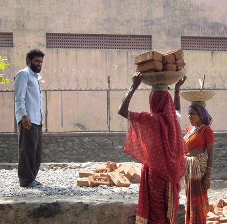 Baban Seth Women Bricklayers, Mumbai