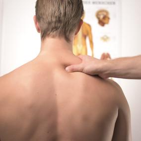 Le massage et l'appréhension ou la restriction au toucher