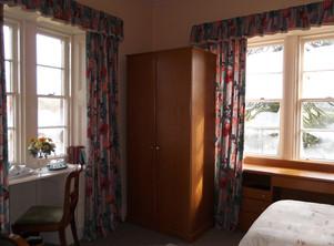 Twin Bed Room 2.JPG