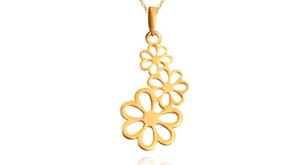Yellow Gold Three Flowers Pendent