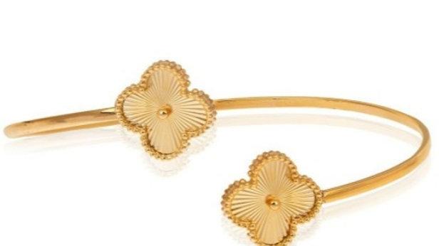 Yellow Gold Clover Shape Bangle Bracelet.