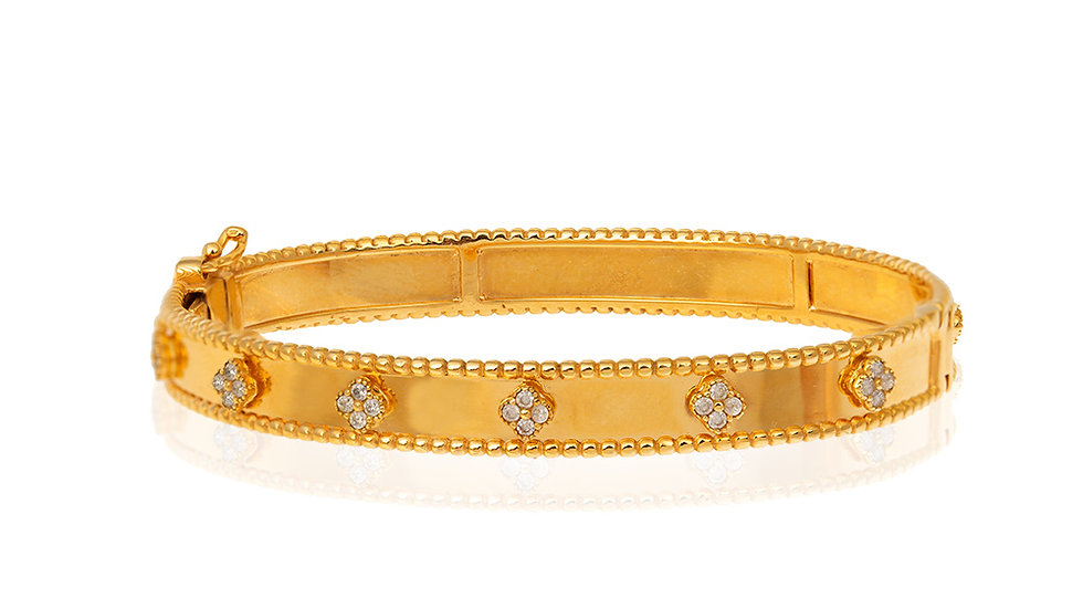 Yellow Gold Bangle Bracelet, Clovers setting with Cubic Zirconia