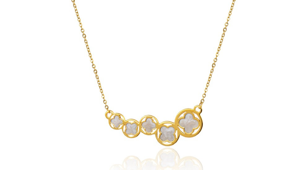 Yellow Gold Necklace with five Beautiful Clovers