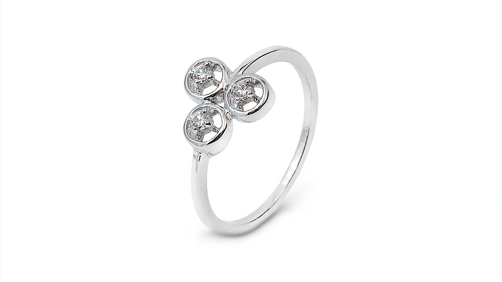 Three Circle Figure Diamond Ring