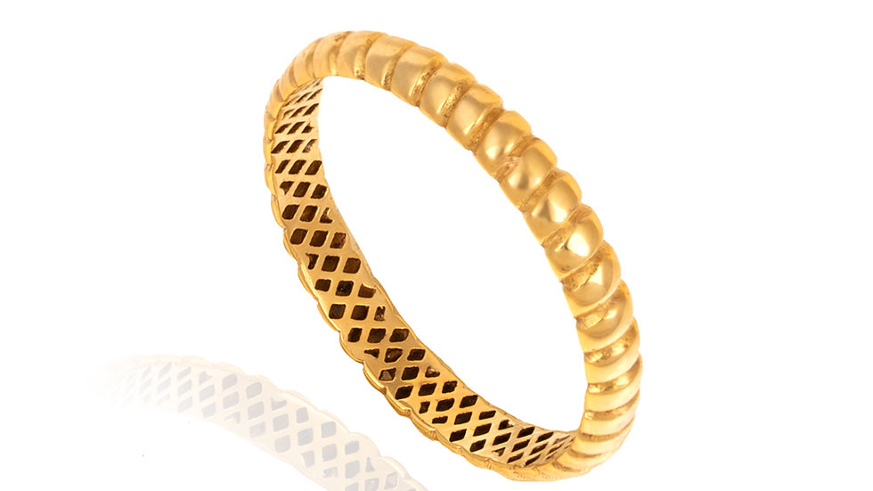 Yellow Gold Ring with Striate Motif