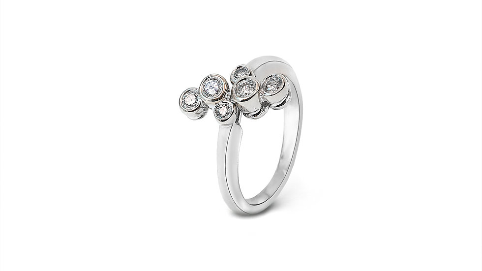 White Gold Ring with Six separate Diamonds