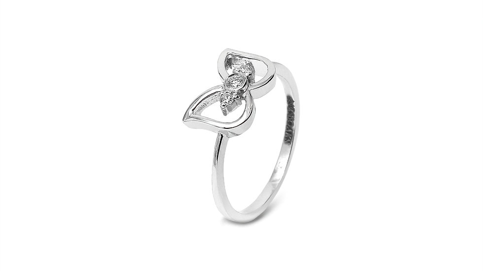 Ribbon Style Diamond Ring
