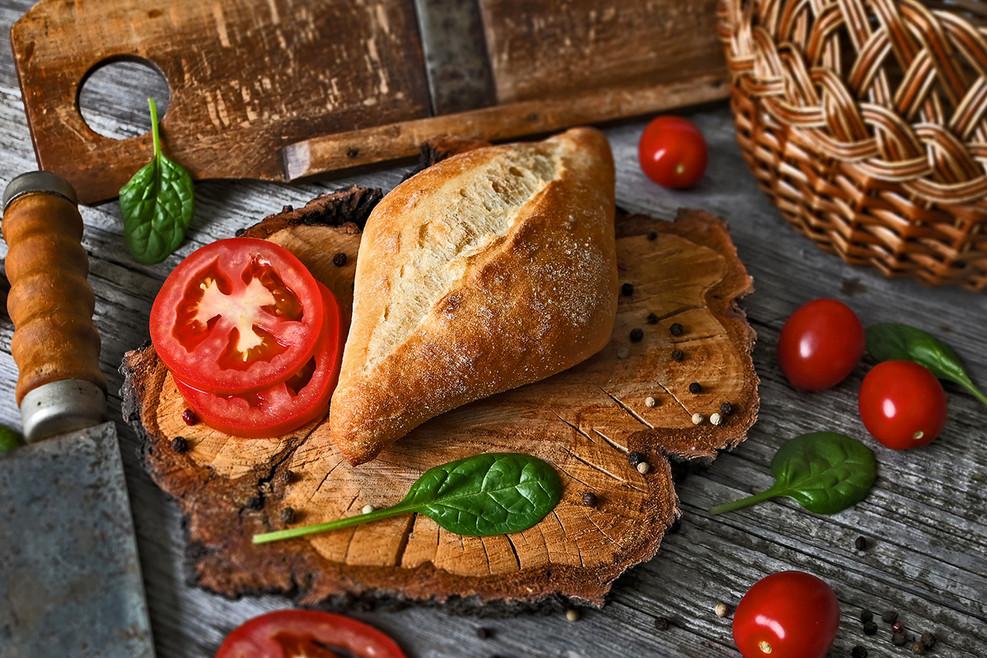 bread-5618100_1920.jpg