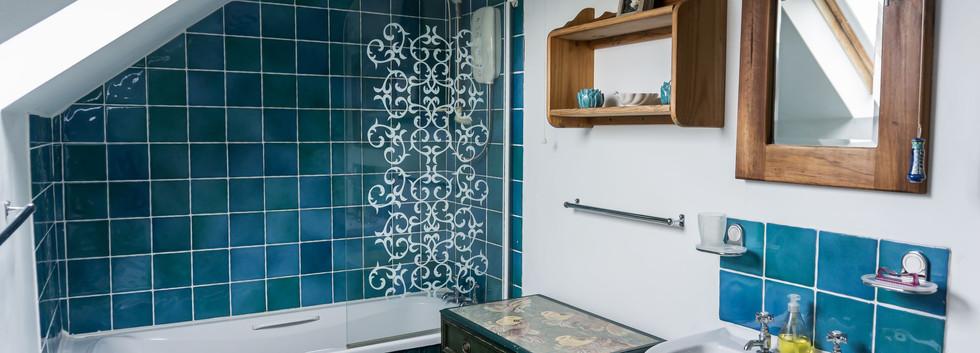 Delfryn Shell Cottage Bathroom 2.jpg