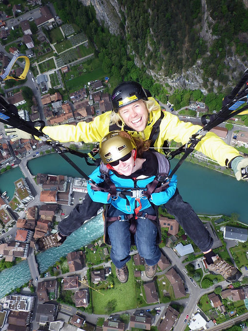 twin paragliding - Interlaken Switzerlan