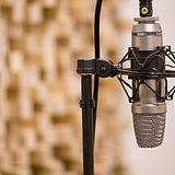mic-3035236_1920.jpg