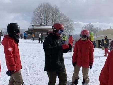 滑雪教練的一天...