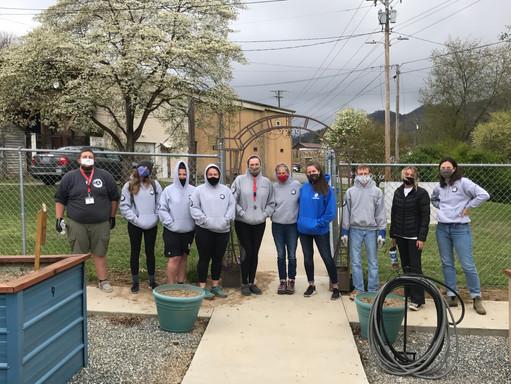 Volunteer Week 12, Group Shot