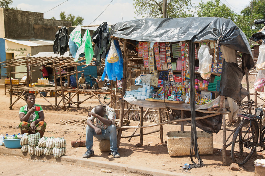 Malawian hawkers trying to make a living