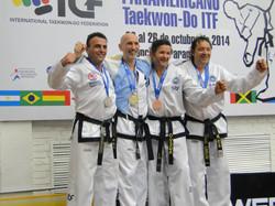 Christian Di Leo en podio combate
