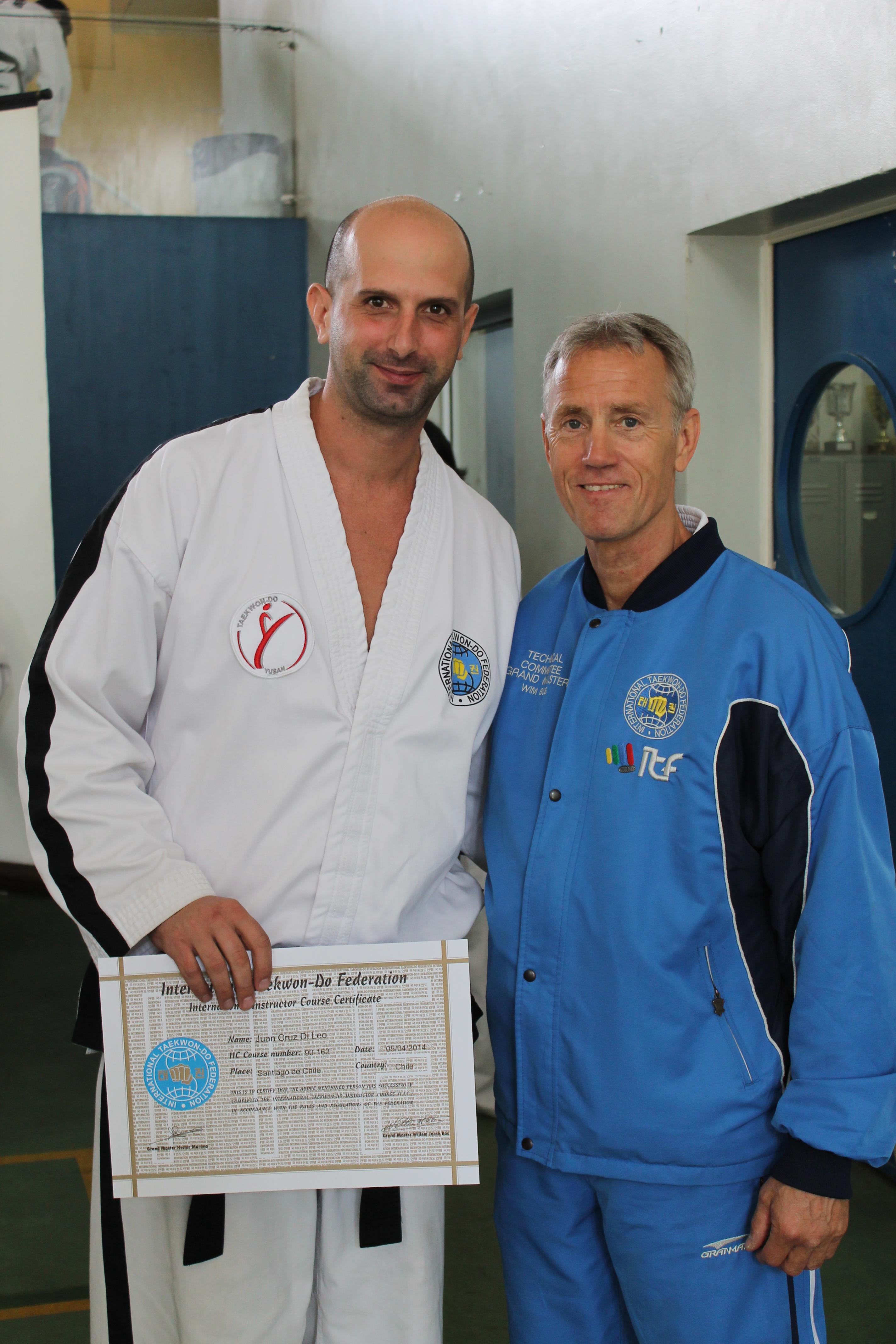 Juan Cruz Di Leo con Maestro Bos