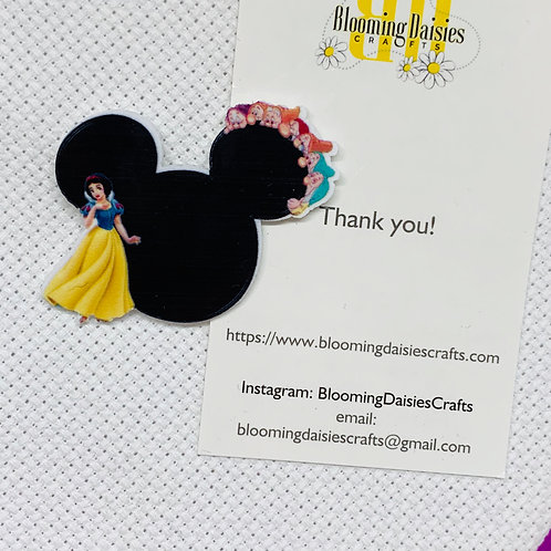 Snow White with Seven Dwarfs in Mouse Ears Needle Minder