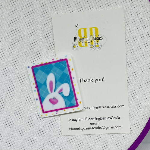 Peaking Easter Bunny Magnetic Needle Minder for Cross Stitch, Ne