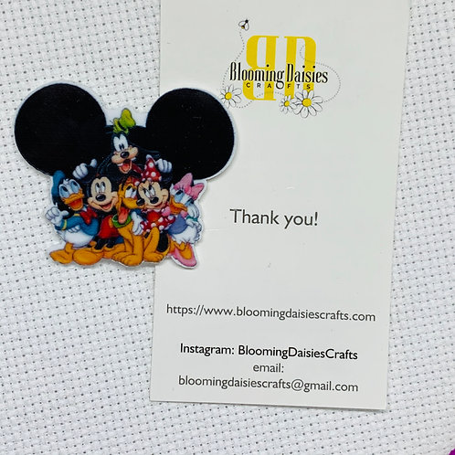 Mickey w/Friends in Ears Needle Minder