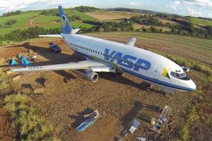Aviões da Massa Falida da Vasp viram panelas (foto Folha de São Paulo)