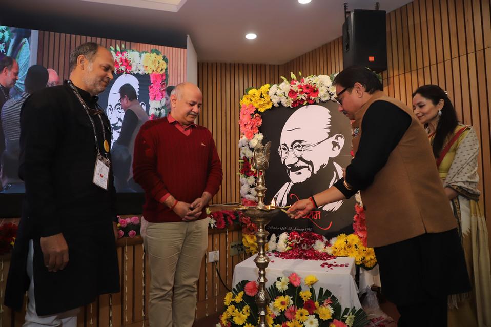 Deepak-Dwivedi-Lamp-Lighting-Mahatma-Awa