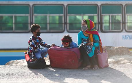 Charitnation-Migrants-family.jpg