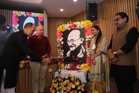 Amit-Sachdeva-Lamp-Lighting-Mahatma-Awar