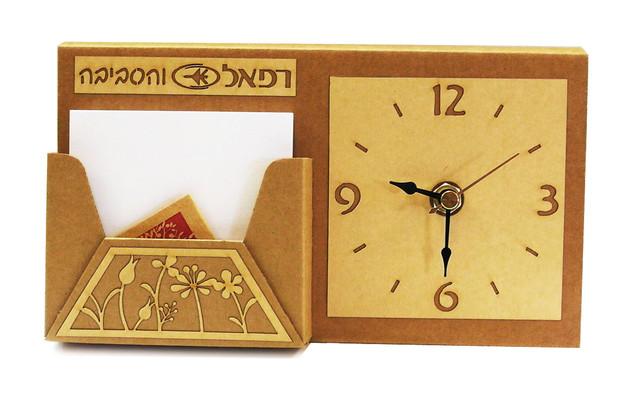 שעון  עם ממו שולחני