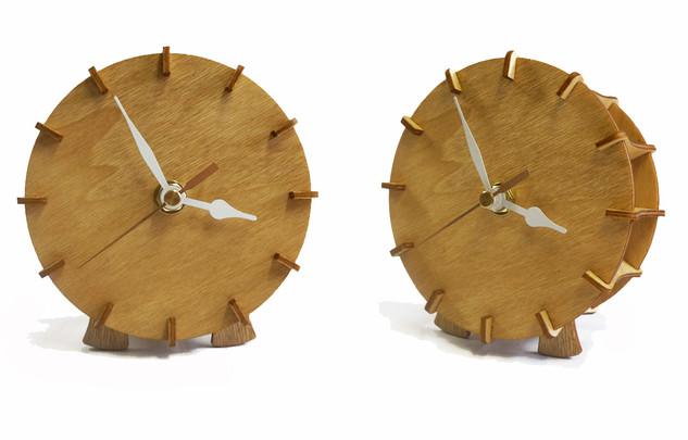 שעון עץ שולחני מורכב
