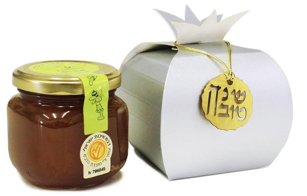 צנצנת דבש במארז רימון