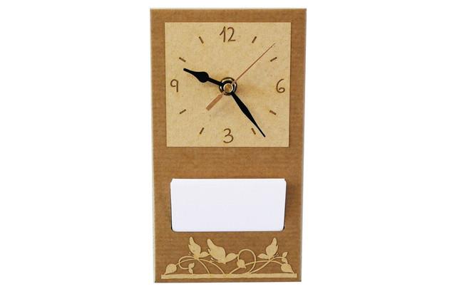 שעון ממוחזר עם ממו לתליה