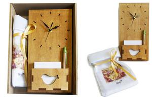 שעון קיר עם ממו ושקית אפיקומן במארז