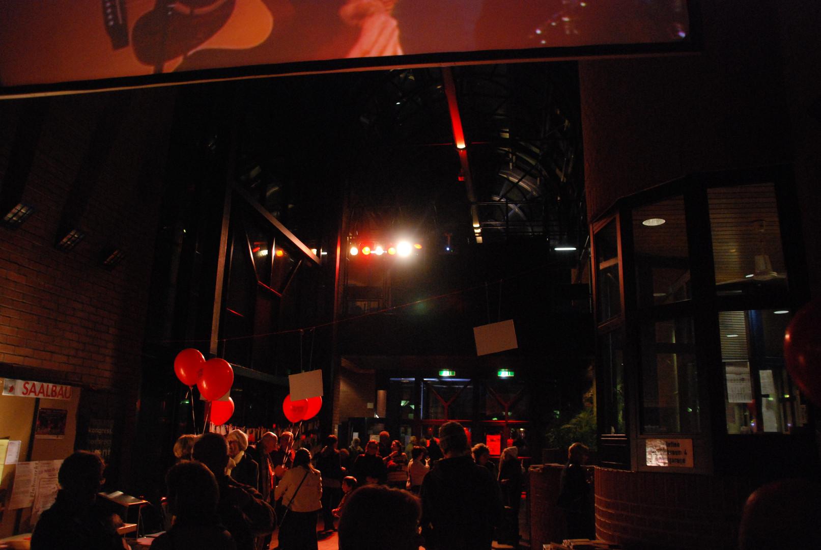 SAALBAU Bornheim - Foyer - 3.JPG
